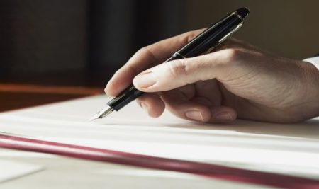 5 WAYS WRITING A BOOK FOSTERS YOUR BUSINESS